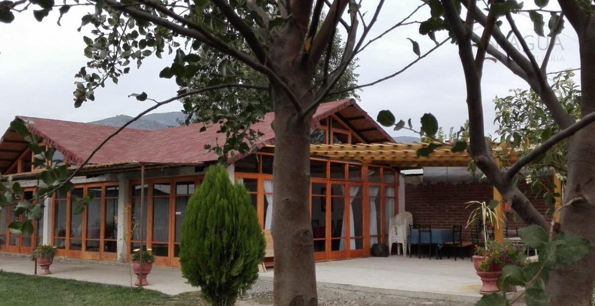 Se vente terreno con 3 construcciones mas Piscina en San Vicente de Tagua Tagua.