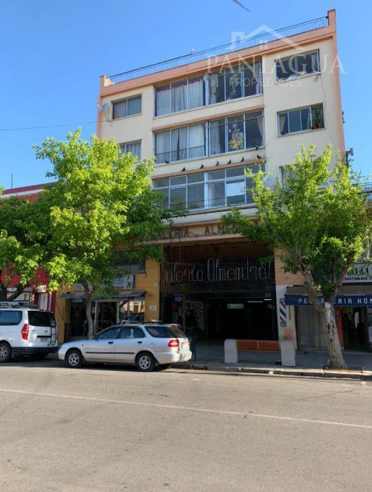 Departamento duplex en venta, centro de Valparaiso.
