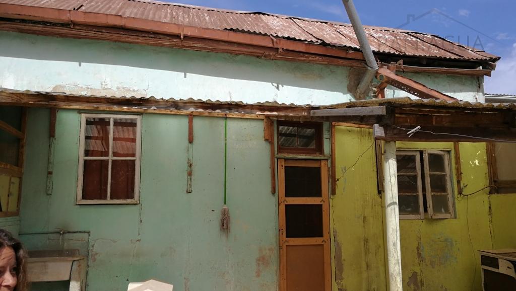 se vende casa en mal estado para reconstruir en cerro