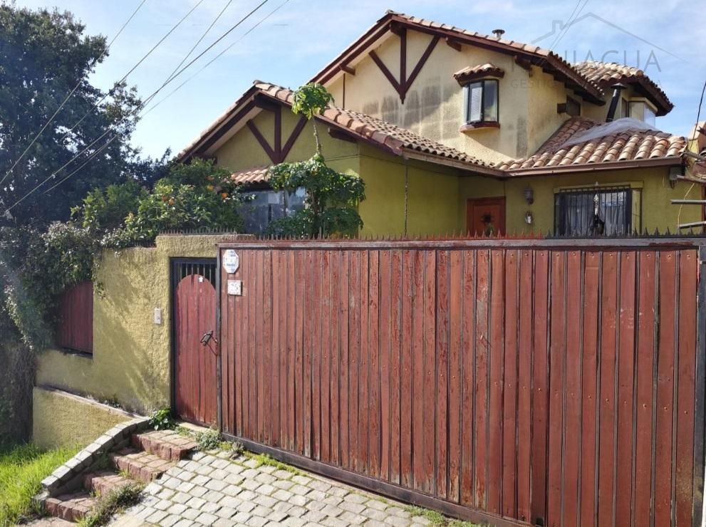 Se vende amplia casa en Jardin del Mar