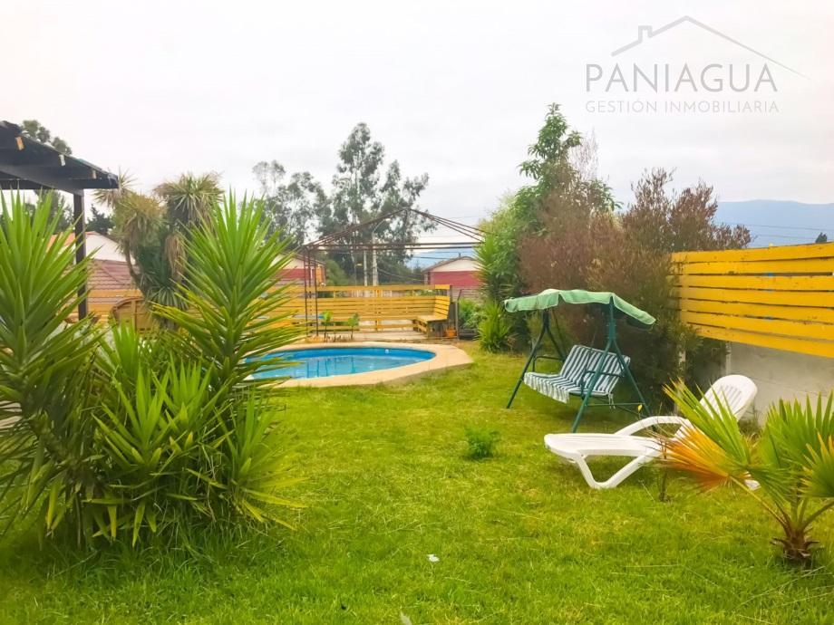 Se vende casa con piscina en Limache
