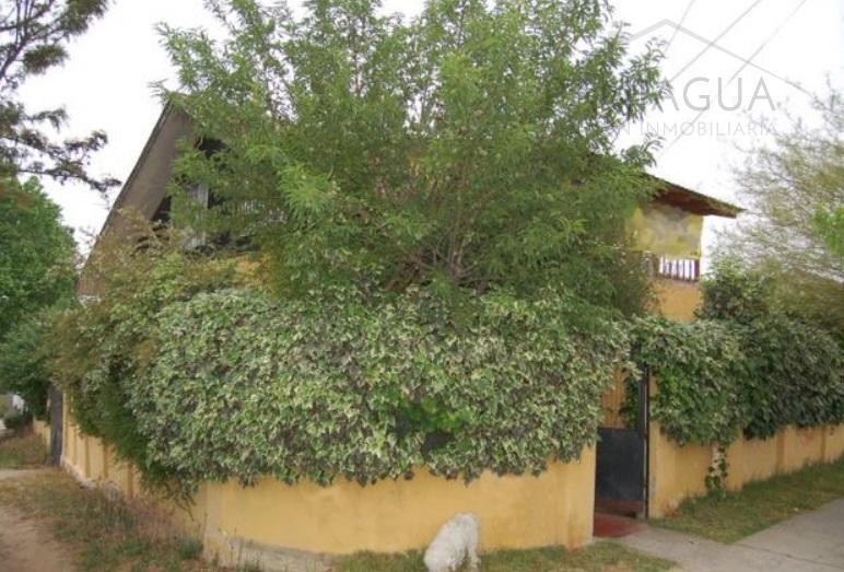 Casa en venta con amplio terreno en Quilpue.