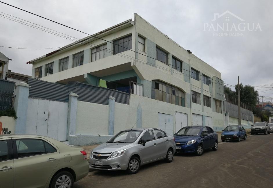 Propiedad en venta con amplio terreno en Playa Ancha, Valparaiso.